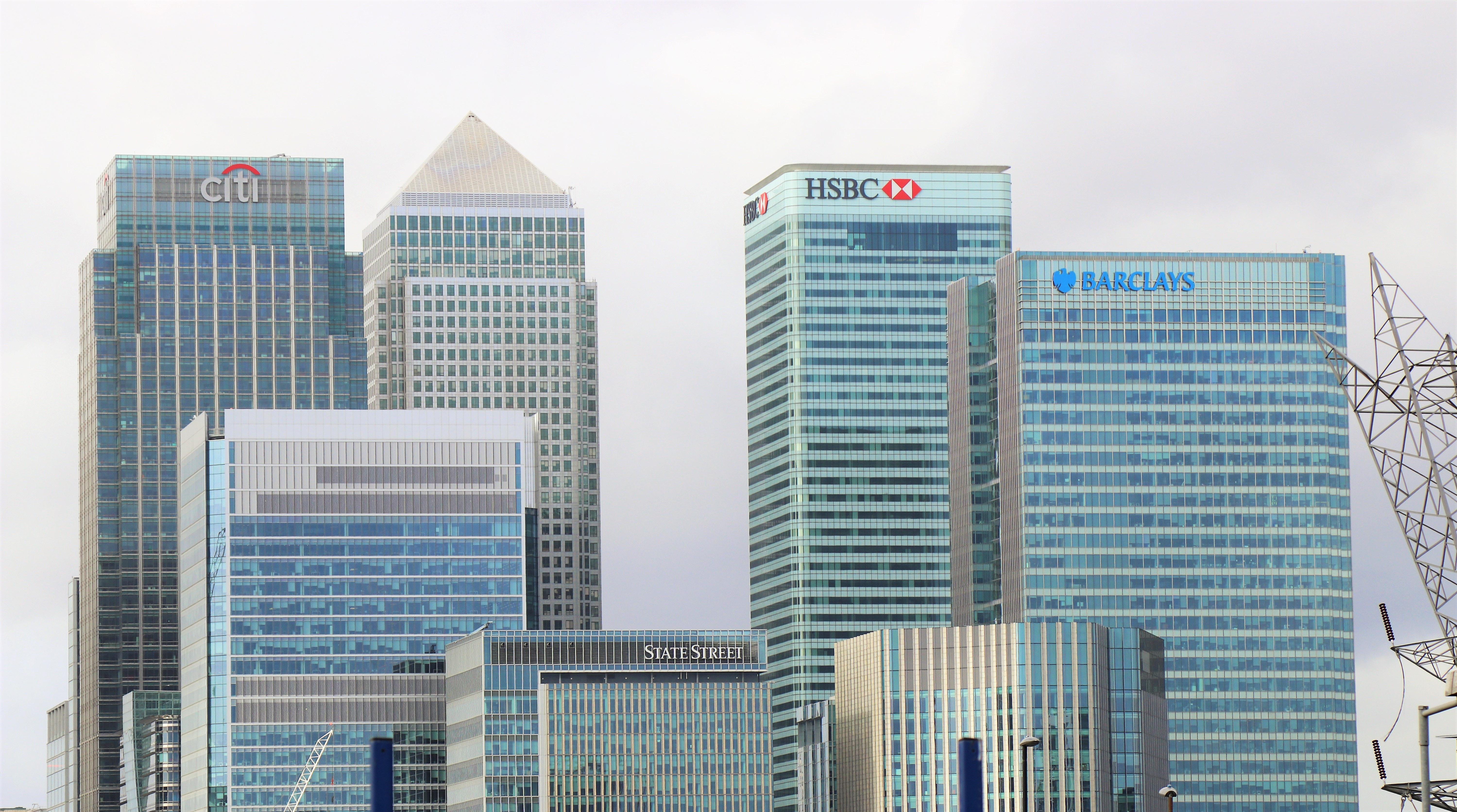 米国に投資用の LLC を設立する段取りは、銀行口座開設の旅程から逆算します
